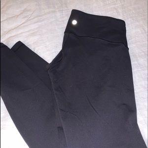 Lululemon classic black wunder under size 8